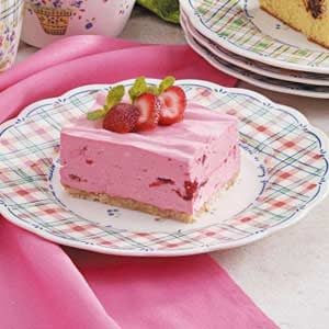 Creamy Strawberry Dessert