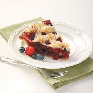 Flaky Bumbleberry Pie