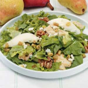 Chicken and Pear Tossed Salad Recipe