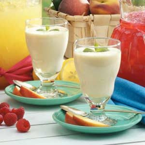Peaches 'N' Cream Smoothies Recipe