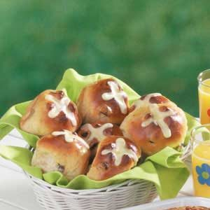 Hot Cross Buns with Citrus Icing