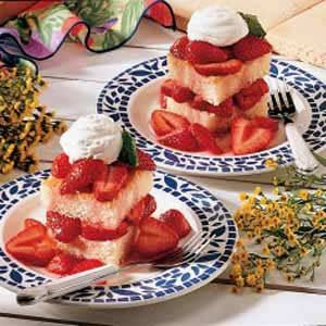 Mom's Strawberry Shortcake