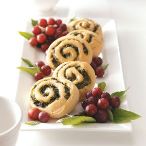 Spinach Pinwheel Rolls Recipe