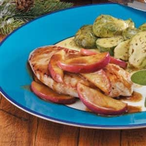 Turkey with Apple Slices Recipe