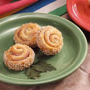 Ham-It-Up Sesame Pinwheels Recipe