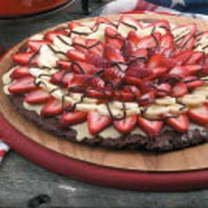 Banana-Berry Brownie Pizza Recipe