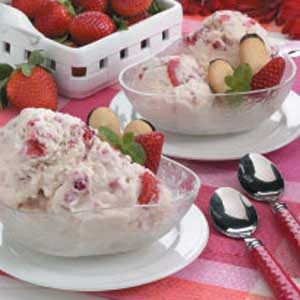 Cheesecake Strawberry Ice Cream Recipe