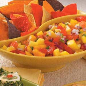 Fresh Peach Mango Salsa Recipe