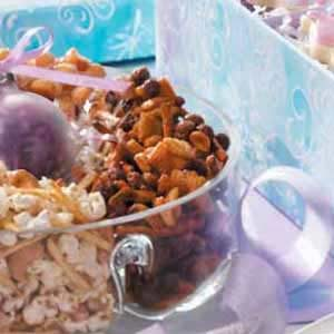 Sweet 'n' Crunchy Snack Mix Recipe