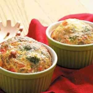 Bacon-Broccoli Quiche Cups Recipe
