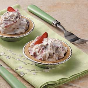Strawberries 'n' Cream Tarts Recipe