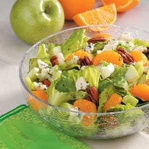 Blue Cheese 'n' Fruit Tossed Salad Recipe