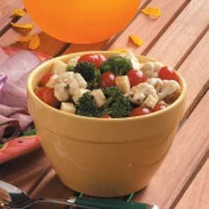 Mozzarella Veggie Salad Recipe