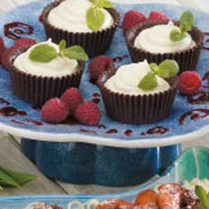 White Chocolate Mousse Cups