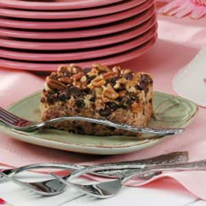 Moist Chocolate Chip Date Cake