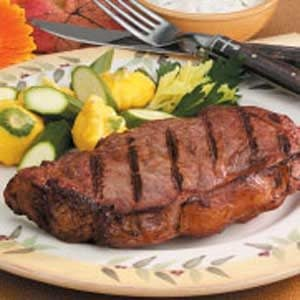 Steaks with Cucumber Sauce Recipe