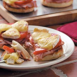 Ham 'n' Brie Sandwiches Recipe