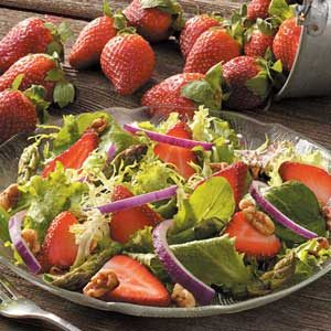 Asparagus Berry Salad Recipe