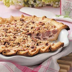 Cherry-Cream Crumble Pie Recipe