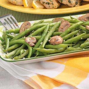 Garlicky Green Beans with Mushrooms Recipe