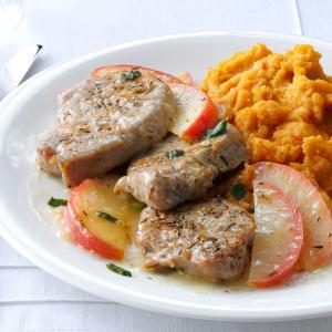 Pork Medallions with Sauteed Apples Recipe