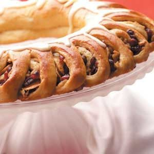 Cran-Apple Tea Ring Recipe