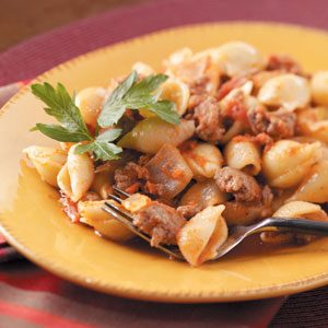 Stovetop Beef 'n' Shells Recipe