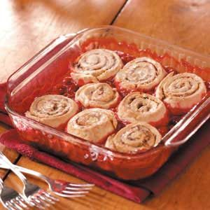 Cinnamon Roll Cherry Cobbler Recipe