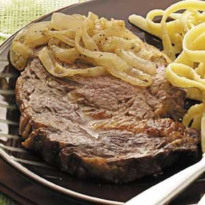Steaks with Peppery Onions