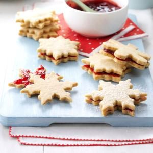 Berry-Almond Sandwich Cookies Recipe