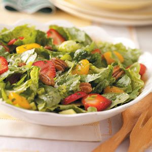 Strawberry Orange Pecan Tossed Salad Recipe