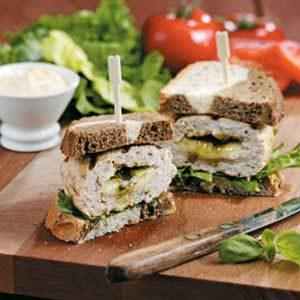 Pesto-Mozzarella Turkey Burgers Recipe