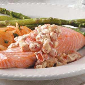 Salmon with Tomato-Dill Sauce Recipe