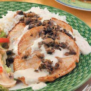 Turkey with Mushrooms and Cream Recipe