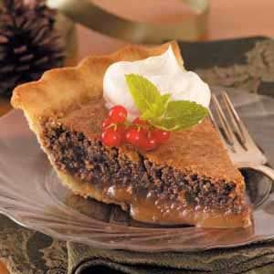 Decadent Caramel Pecan Pie Recipe