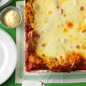 Hearty Sausage and Cheese Lasagna Recipe