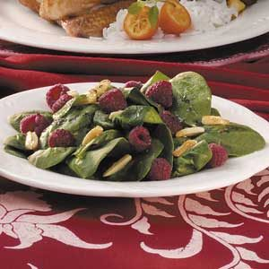 Spinach Salad with Almonds Recipe