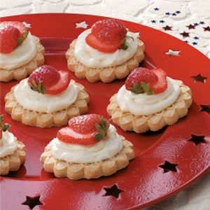 Strawberry Cookie Tarts