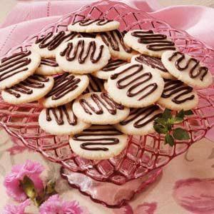 Chocolate-Drizzled Shortbread Recipe