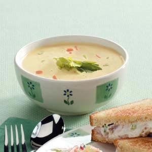 Creamy Vegetable Soup with Cheese