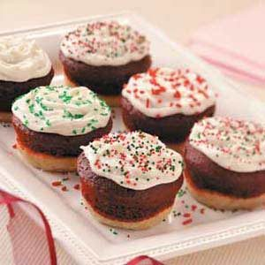 Little Holiday Cakes Recipe