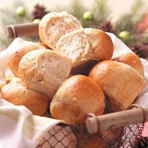 Maple-Oat Dinner Rolls Recipe