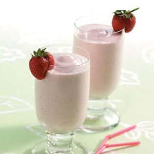 Rhubarb Cheesecake Smoothies