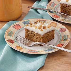 Easy Frosted Carrot Cake Recipe