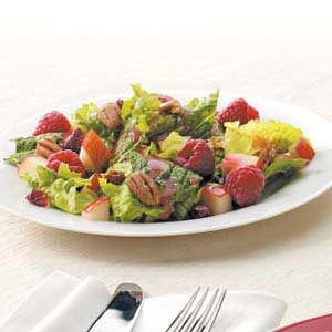 Summertime Raspberry Salad Recipe