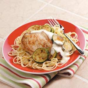Chicken and Pasta with Garlic Sauce Recipe