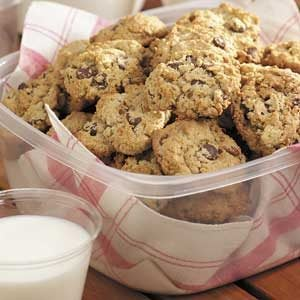 Chocolate Chip Oatmeal Cookies Recipe