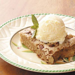 Walnut-Apple Snack Cake Recipe