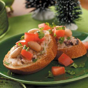 White Bean 'n' Olive Toasts Recipe