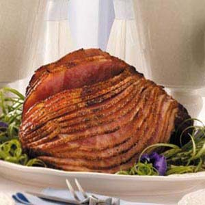 Raspberry-Chipotle Glazed Ham